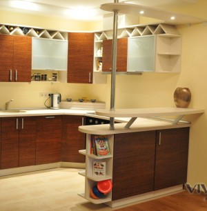 """Kitchen with practical winery """"Cedar"""""""